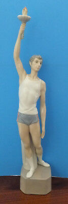 LLADRO Olympic Torch Bearer Fine Porcelain Athlete holding Olympic Flame