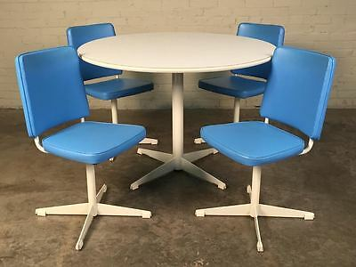 Brody Mid-Century Modern Dining / Kitchen Table With 4-Chairs ~ Saarinen Style
