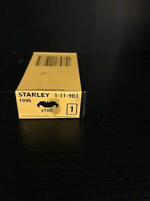 100 x  STANLEY 1996 HOOKED BLADES 0-11-983