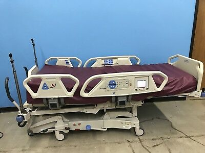Hill rom Totlacare P1900 Hospital bed W/ Mattress