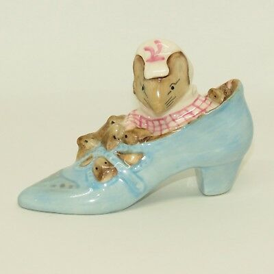 ROYAL ALBERT BEATRIX POTTER figure The Old Woman Who Lived in a Shoe BP6a