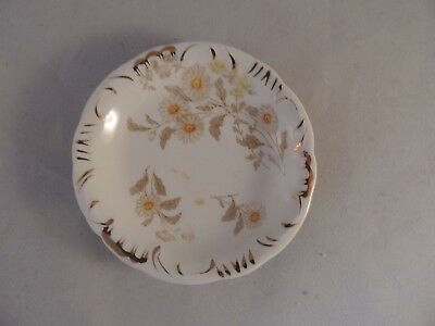 Butter Pat Henry Alcock & Co, England daisy floral pattern gold highlights