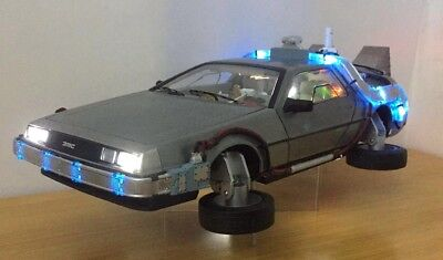 1:18 BACK TO THE FUTURE TIME MACHINE WITH LIGHT ELITE HOTWHEELS SHINE Car Model