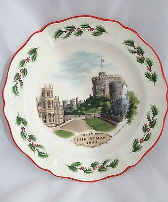 Wedgewood of Etruria & Barlaston Queen's Ware Christmas 1980 Windsor Plate 1st