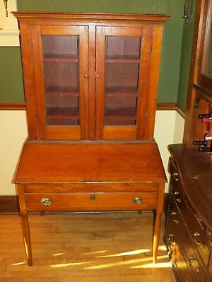 Antique Pine Plantation Desk Very Early 19th century from Lynn Mass.