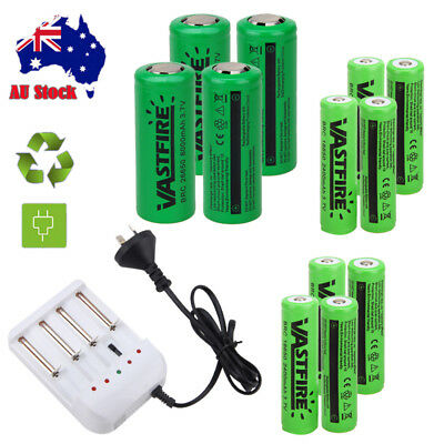 Rechargeable 18650 2400mAh 26650 8000mAh 3.7V Lithium Battery i4 Slot Charger