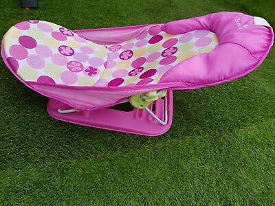 Infant Deluxe Baby Bather (Baby Holder) – Circle Daisy from Summer Infant. Pre-o