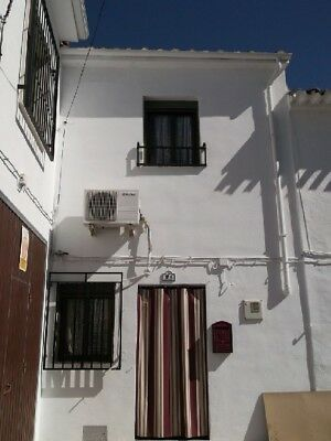 Traditional 2 Bed Modernised Spanish Town House, Fuente Tojar