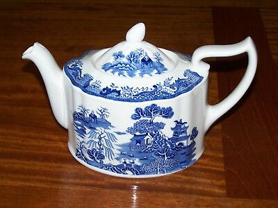 Delightful Vintage Mason's Ironstone Blue Willow Teapot Made in England ~ Gift