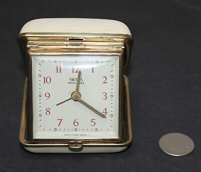 Vintage Smiths Pathfinder Travel Alarm Clock : White/Cream Case