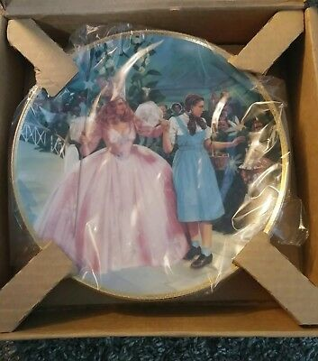The Wizard of Oz Hamilton Collection Plate: A Glimpse of the Munchkins
