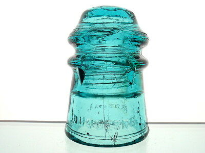 MINT- BOLD EMBOSSING DUQUESNE GLASS CO FOUR FINS Pony Insulator