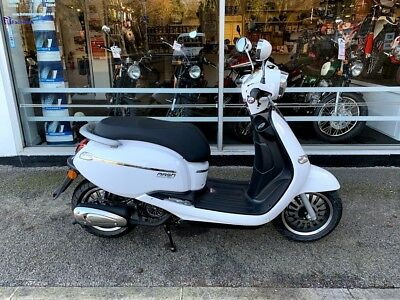 Mash City 125 125Cc 2019 White New Euro 4 Scooter Learner Legal £1999 Otr