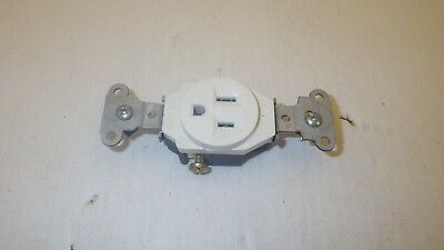 Single Receptacle 15 Amp 125V Ac Outlet 2 Pole 3 Wire, White, Nnb