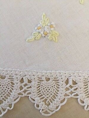 """VTG Round Table Cloth French Knot Embroidered Crochet Lace Edges Ivory 34"""" LINEN"""