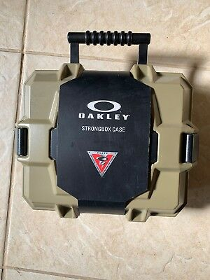 Oakley Strongbox Case With Goggles