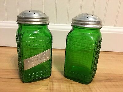Hoosier Salt and Pepper Shakers Vintage Forest Green Waffle Glass Owens Illinois