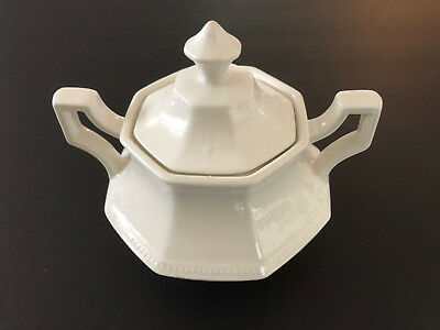 Johnson Brothers HERITAGE WHITE England A05221 - LIDDED SUGAR BOWL