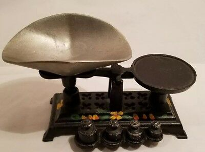 Vintage Miniature Cast Iron Merchant Scale Salesman Sample