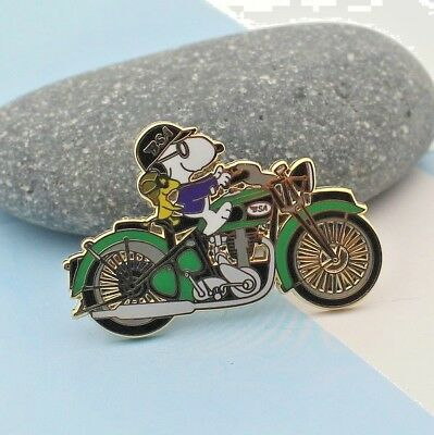 snoopy  on motorcylce pin British Motorcycle Company WOODSTOCK GREEN tank