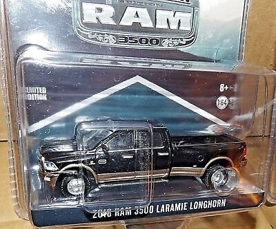 1/64 Greenlight RAM 3500 BLACK & WALNUT DUALLY LARAMIE LONGHORN exclusive hitch