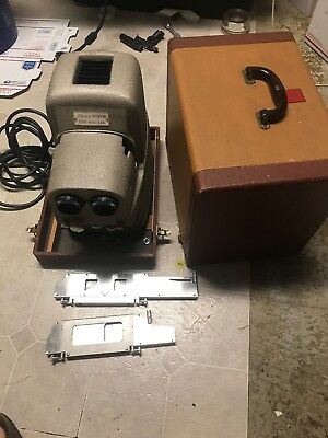 TDC vivid stereo Model 116 Projector with case very clean