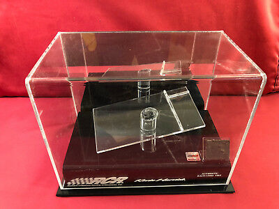 Kevin Harvick 1/24 Deluxe Display Case w/Authentic Piece of Race Tire & Platform
