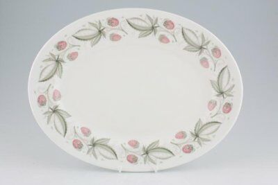 Susie Cooper - Wild Strawberry - Plain Edge - Oval Plate / Platter - 88746Y