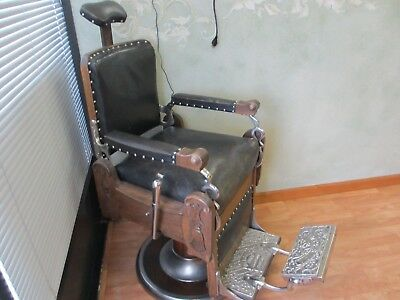 """Antique Melchoir Brothers """"Imperial"""" Barber Chair"""
