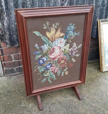 Vintage Needlepoint Woollen Tapestry Woolwork Framed & Glazed Picture / Screen