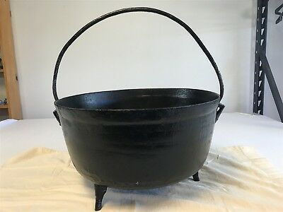 Antique Large Dutch Oven Pot circa 1800's Gate Marked with handle RARE