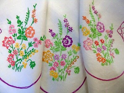 "Pretty,Vintage,Linen Hand Embroidered Tablecloth...pretty  florals 32"" x34"" GC"