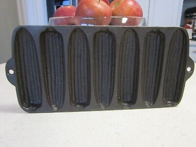 Vtg Unmarked Cast Iron Corn Bread Muffin Baking Pan 7 Mold ~ Wagner Ware?