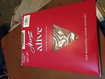 3a3324533fe 3 Pair Vintage Hanes Alive Full Support Style 811 Size A Barely There  Pantyhose