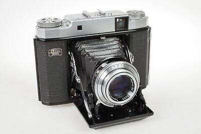 Zeiss Super Ikonta III with Tessar 3.5/105 and original leather case EXC++