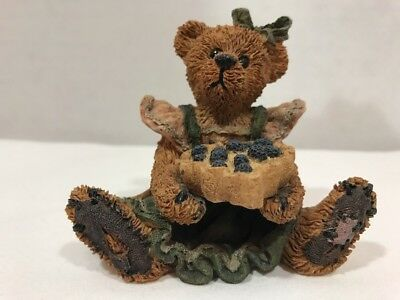 Boyds Bears: Bailey The Baker - With Sweetie Pie - Style #2254 Sweet Valentine