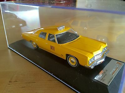 Chevrolet bel air 1/43 taxi nyc yellow cab New in scatola