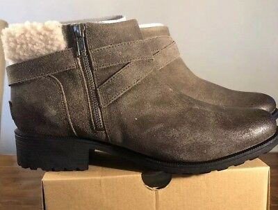 54062a4219c NEW WOMEN UGG Australia Boot Volta Black Leather Water Resistant ...