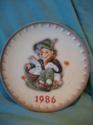 Goebel Hummel Annual Plate 1986 - Playmates - Excellent Condition