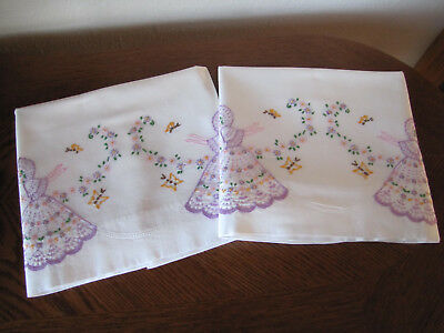 Vintage Pair of Pillowcases Embroidered Twin Souhtern Belles & Aster Garlands