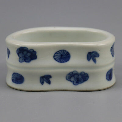 Chinese old  porcelain Blue and  white flower pattern writing-brush washer b01
