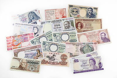 World Banknotes - Mixed Country & Demonation - RRP $20 each (18)