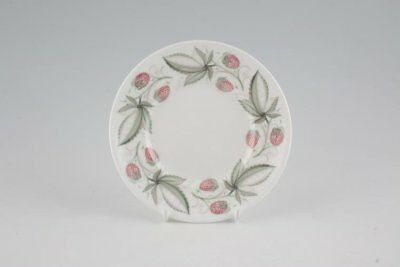 Susie Cooper - Wild Strawberry - Plain Edge - Tea / Side Plate - 88762Y