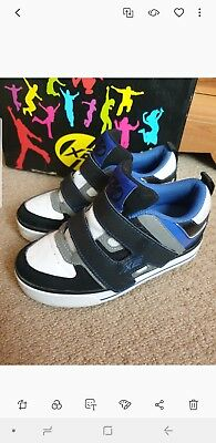 Heelys Black White Blue X2 With Box And Accessories junior size 12 1 skate shoes
