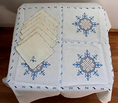 "7 pc VTG NATURAL LINEN BLUE HAND EMBROIDERED CUT WORK TABLECLOTH NAPKINS 33""x35"""