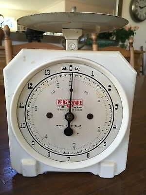 OLD PAIR OF PERSINWARE WHITE METAL SCALES made in AUSTRALIA