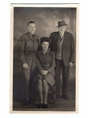 WWII Canadian Artillery Sargeant Soldier Posing With Family Photo