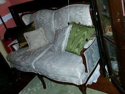 Loveseat Sofa Couch Creme White Damask Gorgeous!