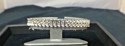 Beautiful Sterling Silver & .33cttw+ Authentic Diamond 7in. Leaf Style Bracelet