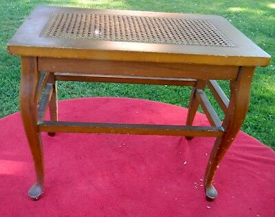 VINTAGE ALLEN CHAIR COMPANY, Mass WOVEN RATTAN TOP SMALL WOOD END NIGHT TABLE
